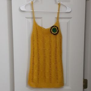 Querica mustard yellow, knitted tank top w/ flower